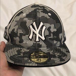 Men's NY Yankees New Era Fitted Cap 7 1/4
